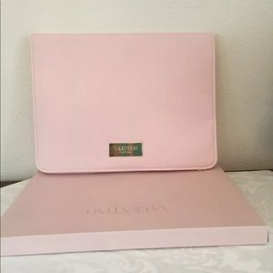 Valentino Parfums limited edition,The case / pouch